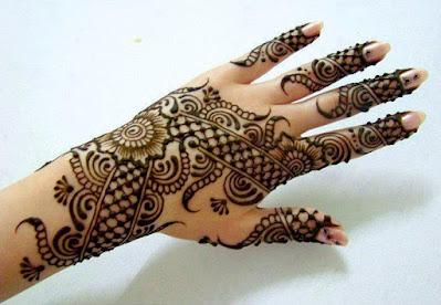 Beautiful, easy bridal Mehndi Designs piche side ka