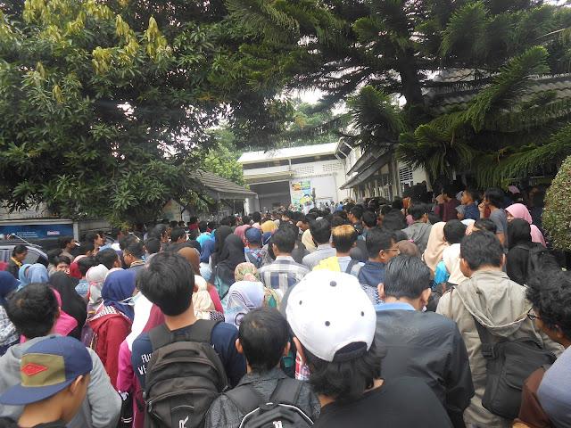 Bazar Buku murah pt gramedia asri media Maguoharjo depok sleman yoyakarta
