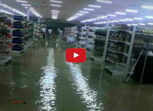Cuatro horas de lluvias inundaron al supermercado Hiper Lider de Barquisimeto