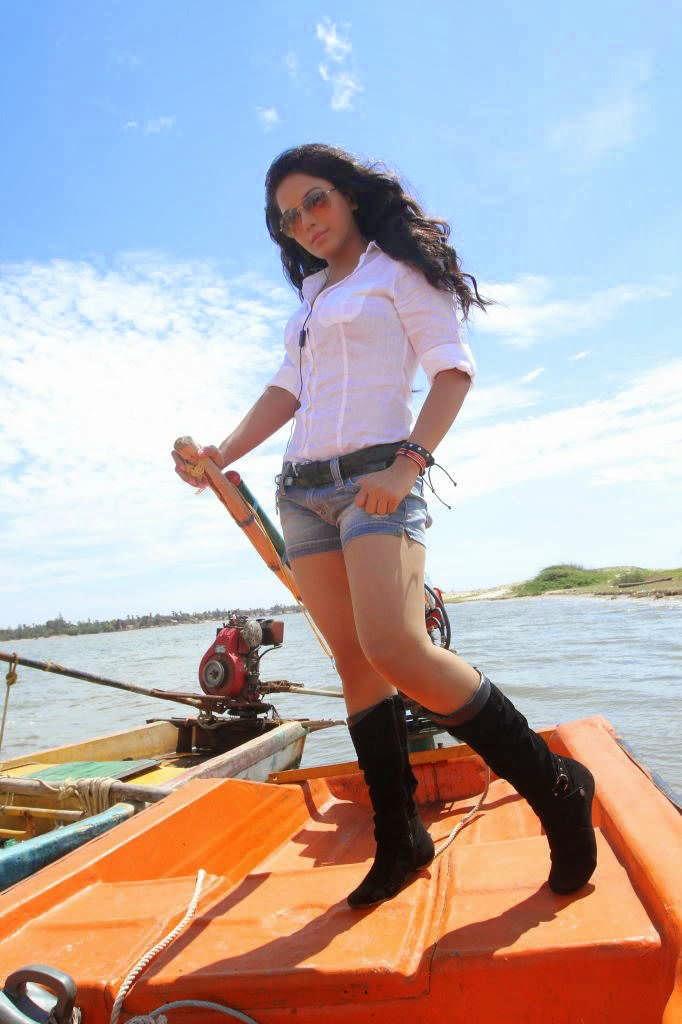 Rakul Preet Singh Tight Thighs Show Photos In Mini Blue Short