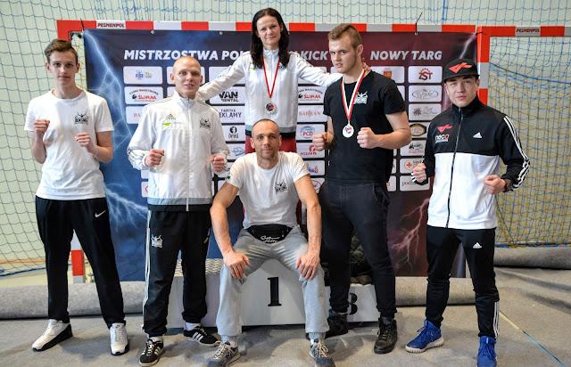 Boś, Hirko, junior, Kacieja, Kaczanowski, Kwolek, Low kick, medal, mistrzostwa, Nowy Targ, Połoński, senior, Zielona Góra, złoto