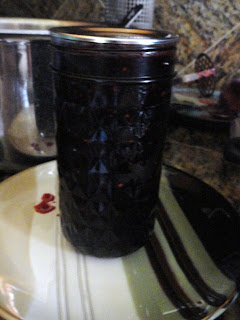 Blackberry-Jam-without-added-Pectin-Lid.jpg