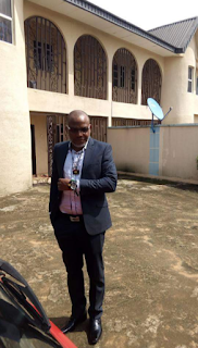 Ever seen Nnamdi Kanu in suit? (Photos)
