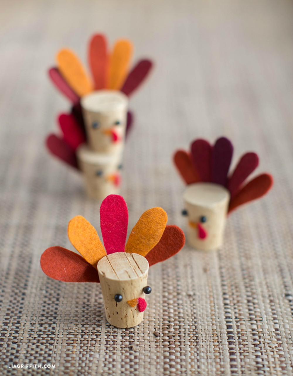 10 diy thanksgiving turkey crafts to make little vintage for Diy thanksgiving crafts