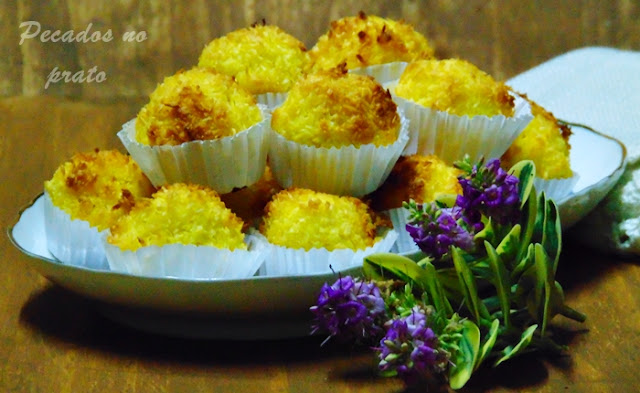 Bolinhos de coco sem manteiga