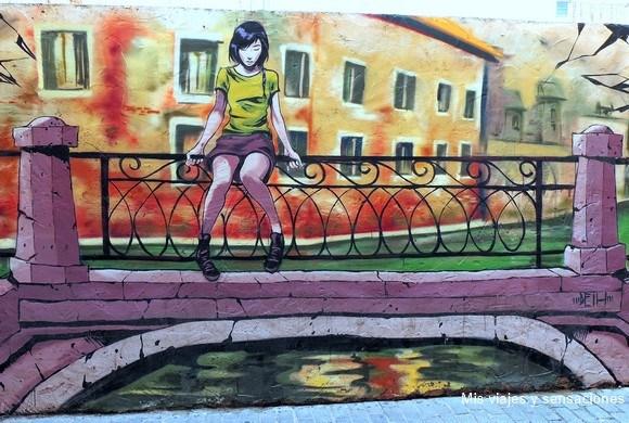 Puente en Venecia, pinturas y murales en el barrio del Carmen, Valencia