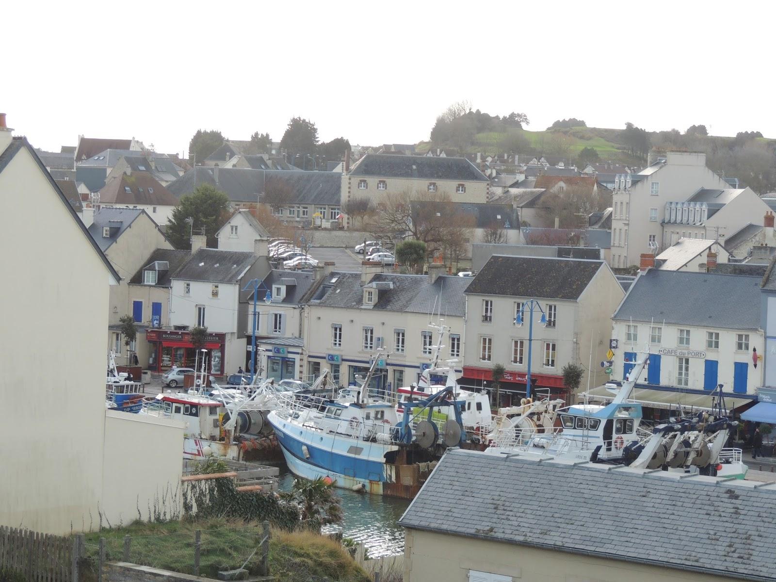 B and b art port en bessin ses couleurs ses bateaux de - Fete de la coquille st jacques port en bessin ...