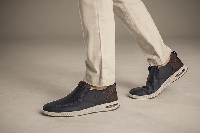 09) TÊNIS DE COURO MASCULINO EXELERO Para confeccionar este calçado a  Ferricelli se inspirou em um modelo de tênis dos anos 80 f3862d488f5