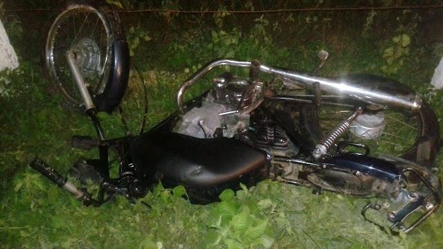 Adolescente morre após colisão entre motos na RN 079 na zona rural de Alexandria