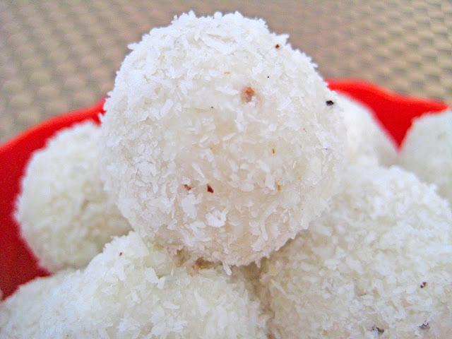 Boules de coco sans cuisson