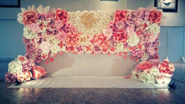 phong cưới bằng hoa giấy đẹp