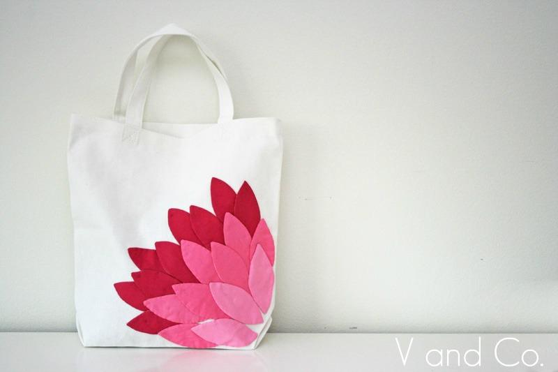 аппликация из ткани.  82419204_large_pink_petal_applique