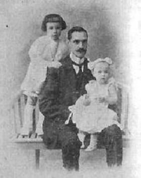 Esteve Puig i Puig con sus hijos