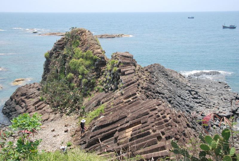 Thắng cảnh Gành Đá Dĩa ở Phú Yên