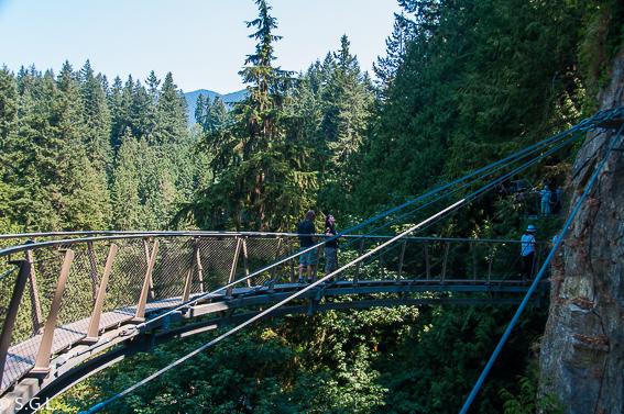 Cliffwalk en Capilano Park. Visitando Vancouver
