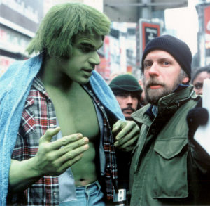 "Kenneth Johnson (dcha.) con ""El increible Hulk"" (Lou Ferrigno)"