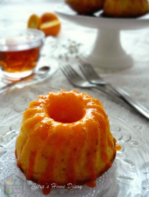 Orange yogurt mini cake with orange glaze/ cake yogurt dengan orange glaze | Çitra's Home Diary. #yogurtcake #orangecake #miniorangecake #orangeglaze
