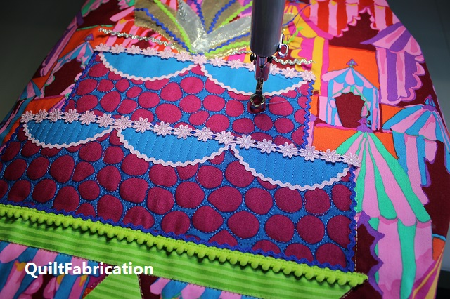 trapunto and detail cake quilting