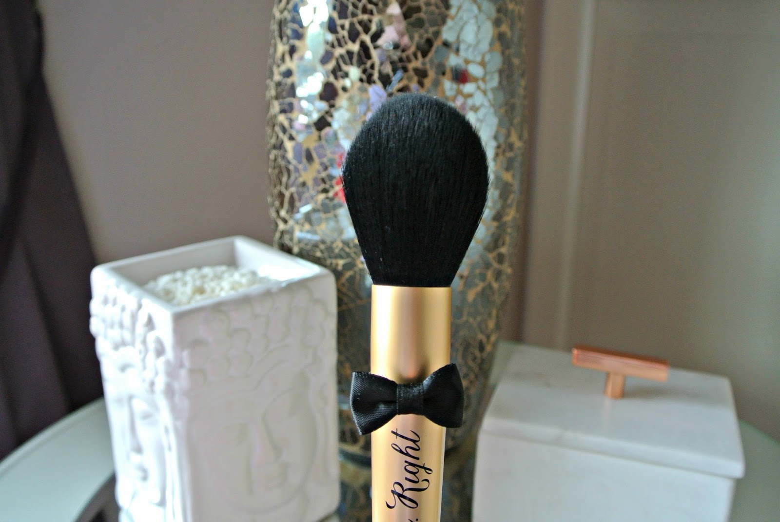 Too Faced Mr Right Perfect Powder Brush