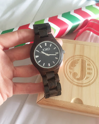 http://www.woodwatches.com/#cakeanddust