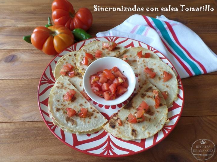 Sincronizadas con salsa Tomatillo