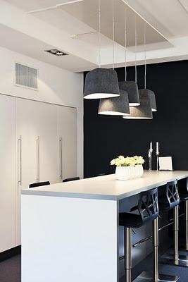 mørke vegger på kjøkken