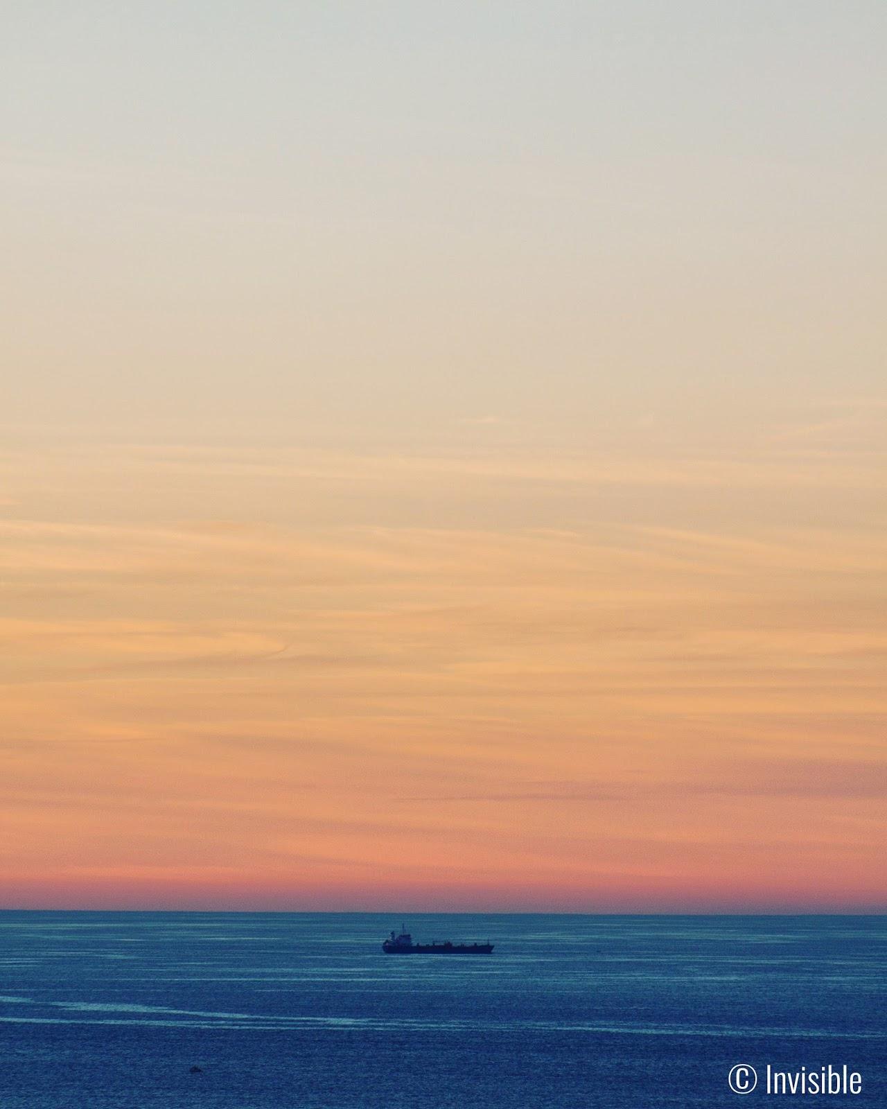 Invisible SLG Photos: El océano es infinito