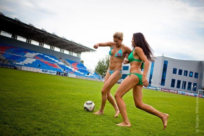 Sexy Akrobatin Irina Pisulkina zeigt ihre slawische Schönheit