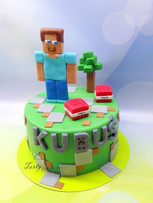 tort minecraft z figurka