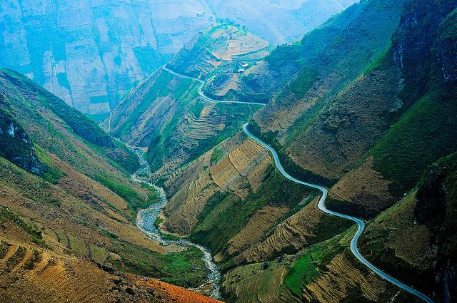 Sông Nho Quế nhìn từ đèo Mã Pì Lèng