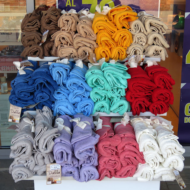 Colorful towels, Porta a Mare, Livorno