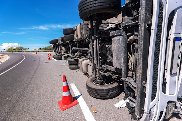 Truck Accidents 101: What Are They And How To Deal With Them