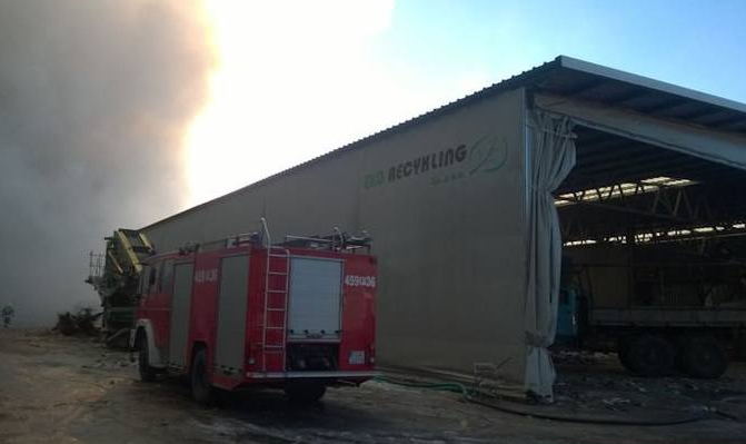 Recykling empresa afectada por el incendio