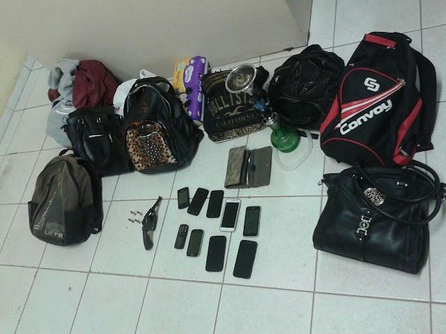 Trio é preso por roubar pessoas em Colombo