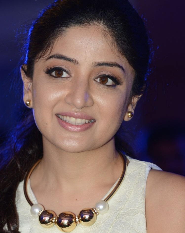 Beautiful Telugu Girl Poonam Kaur Smiling Face Close Up Photos