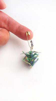 Origami brooch bynadialab