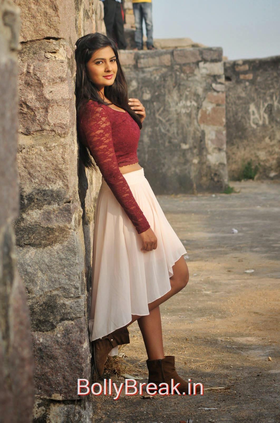 Neha Deshpande Unseen Stills, Actress Neha Deshpande Hot HD Stills from The Bells Movie