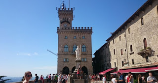Plaza de la Libertad y Palacio Público de San Marino.