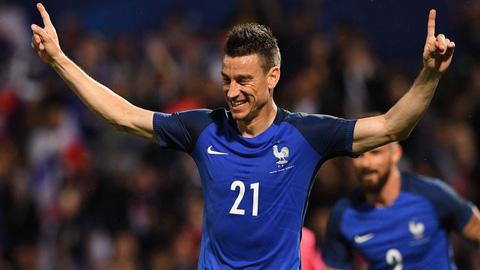 Laurent Koscielny năm nay 32 tuổi và đã chơi cho tuyển Pháp 49 trận