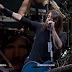 """Foo Fighters faz homenagem à """"Malcolm Young"""" (AC DC)"""