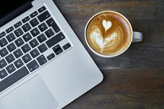 Cara Menggunakan Laptop yang Baik dan Benar untuk Pemula