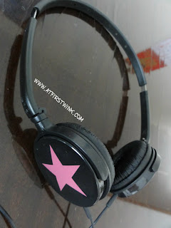 Korean foldable headphone
