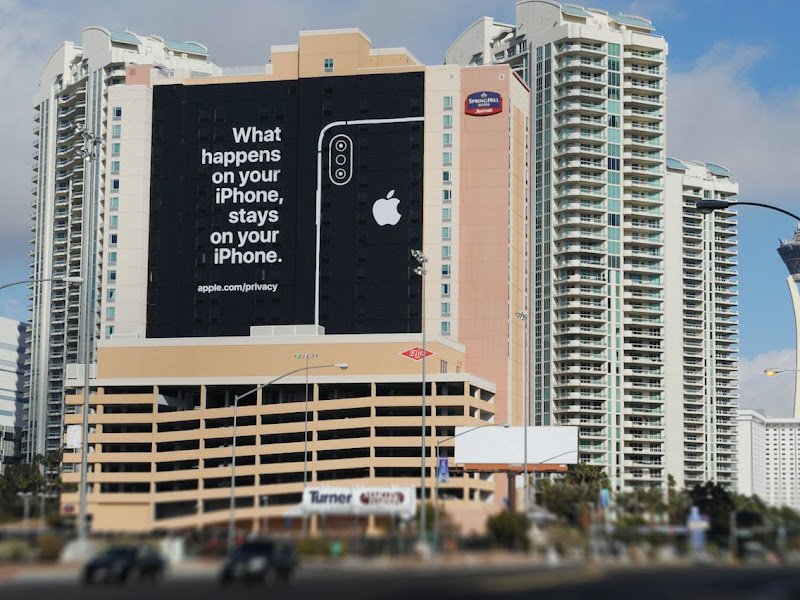 Apple trolled Google with a massive billboard at the world's biggest tech show, which it's not even attending