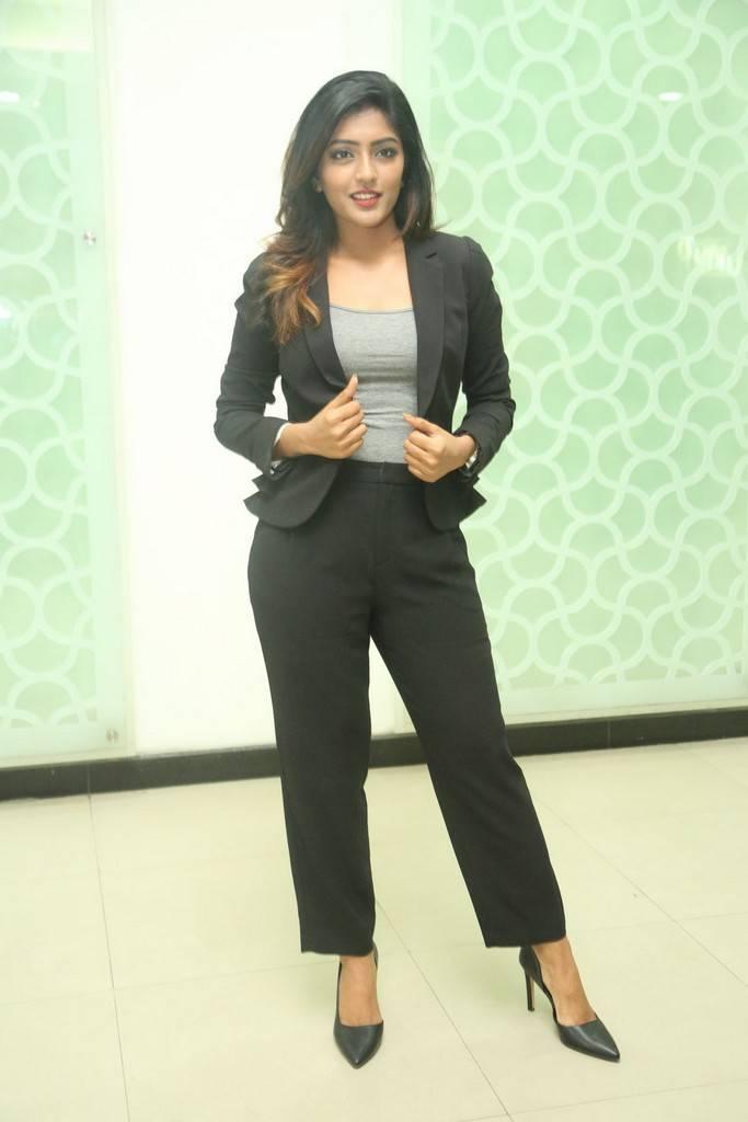 Actress Eesha Rebba At Ami Thumi Success Meet Gallery
