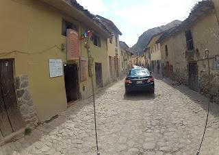 Ruas estreitas em Ollantaytambo / Peru.