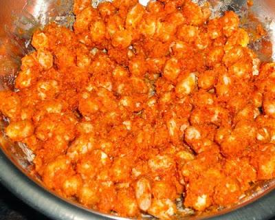 besan peanuts mixed