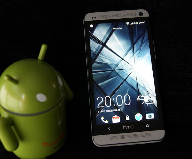 Altavoces frontales de calidad, sonido estéreo en HTC One