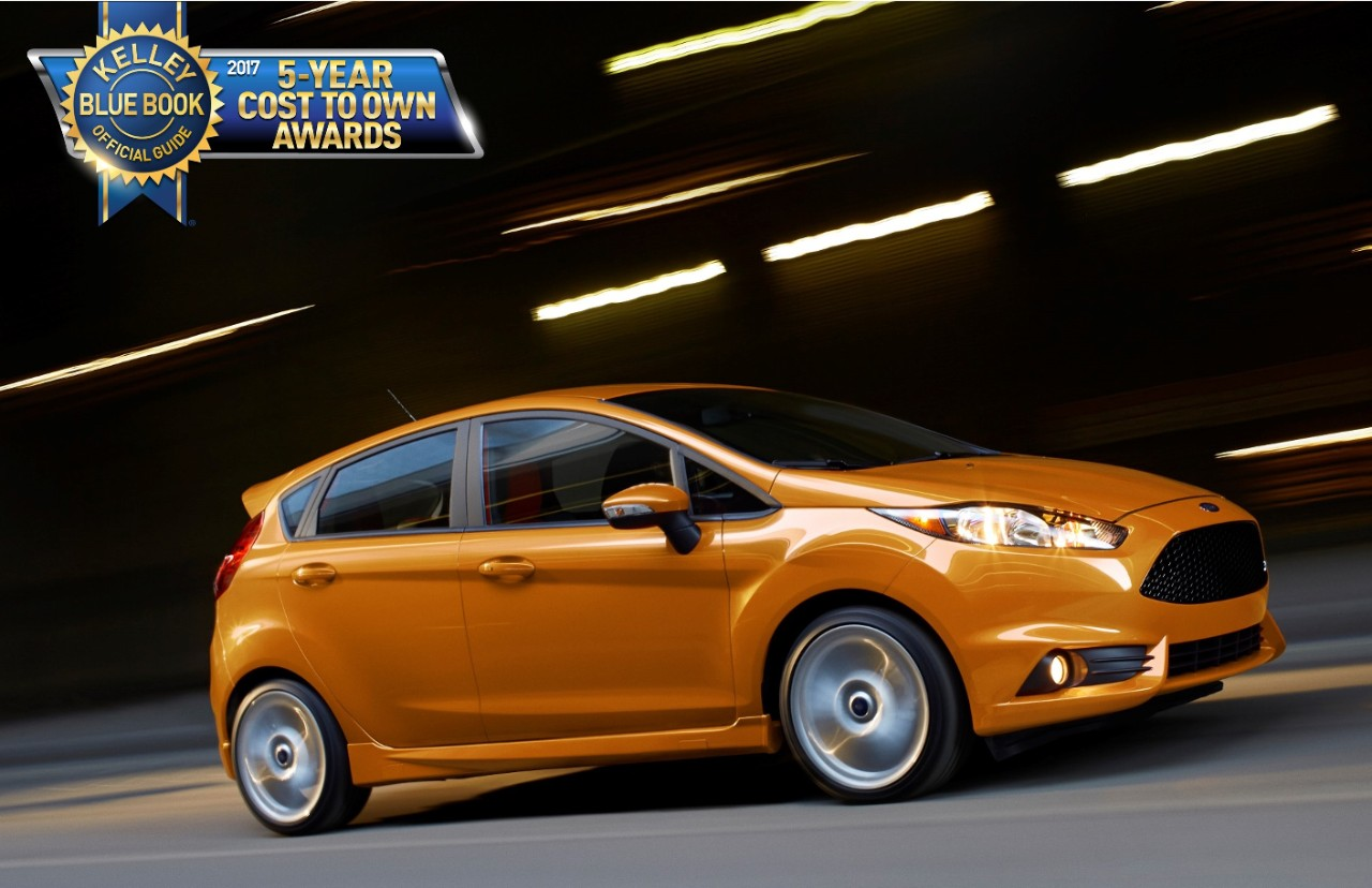 Fiesta st s competitive epa rating of 26 mpg city 33 mpg highway and 29 mpg combined also contributed to its win