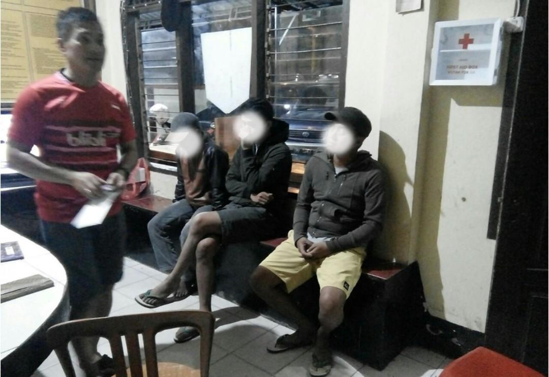 Sedang Pesta Ganja di Warung Ballo, Tiga Pemuda Rantepao Ini Diamankan Polisi