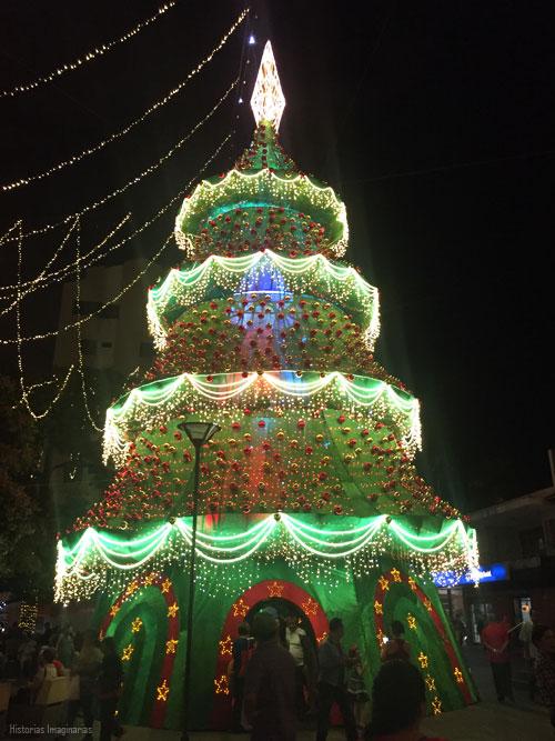 Navidad en Medellin: Alumbrado en el Parque de Envigado